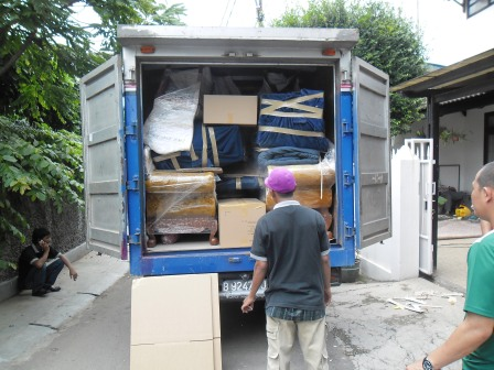 Jasa Pindahan Rumah Jakarta Pusat - Askmover Indonesia - 081294464406